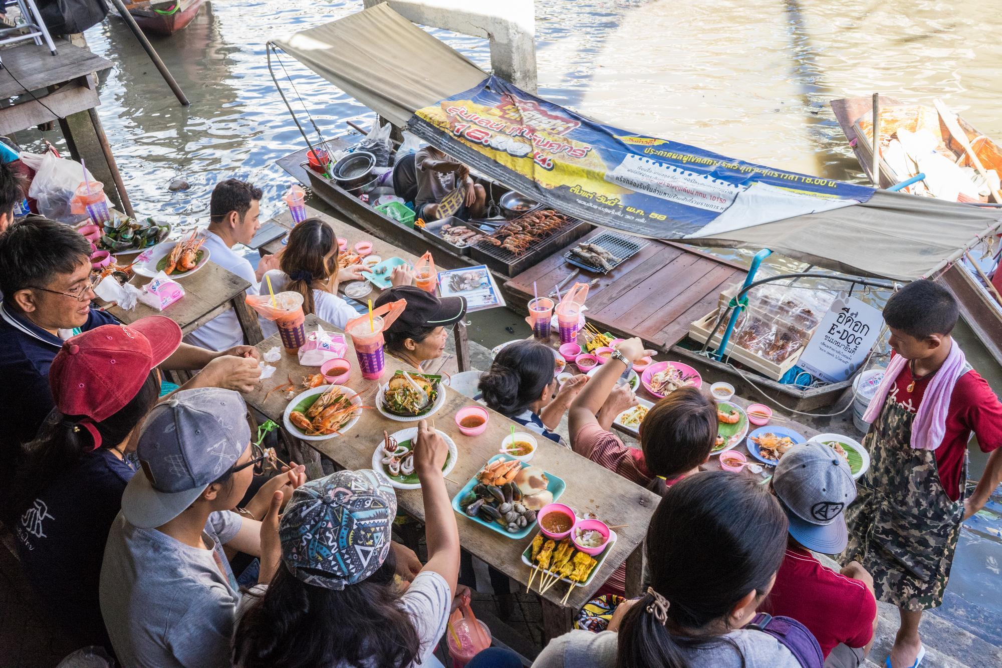 安帕瓦水上市場Amphawa Floating Market