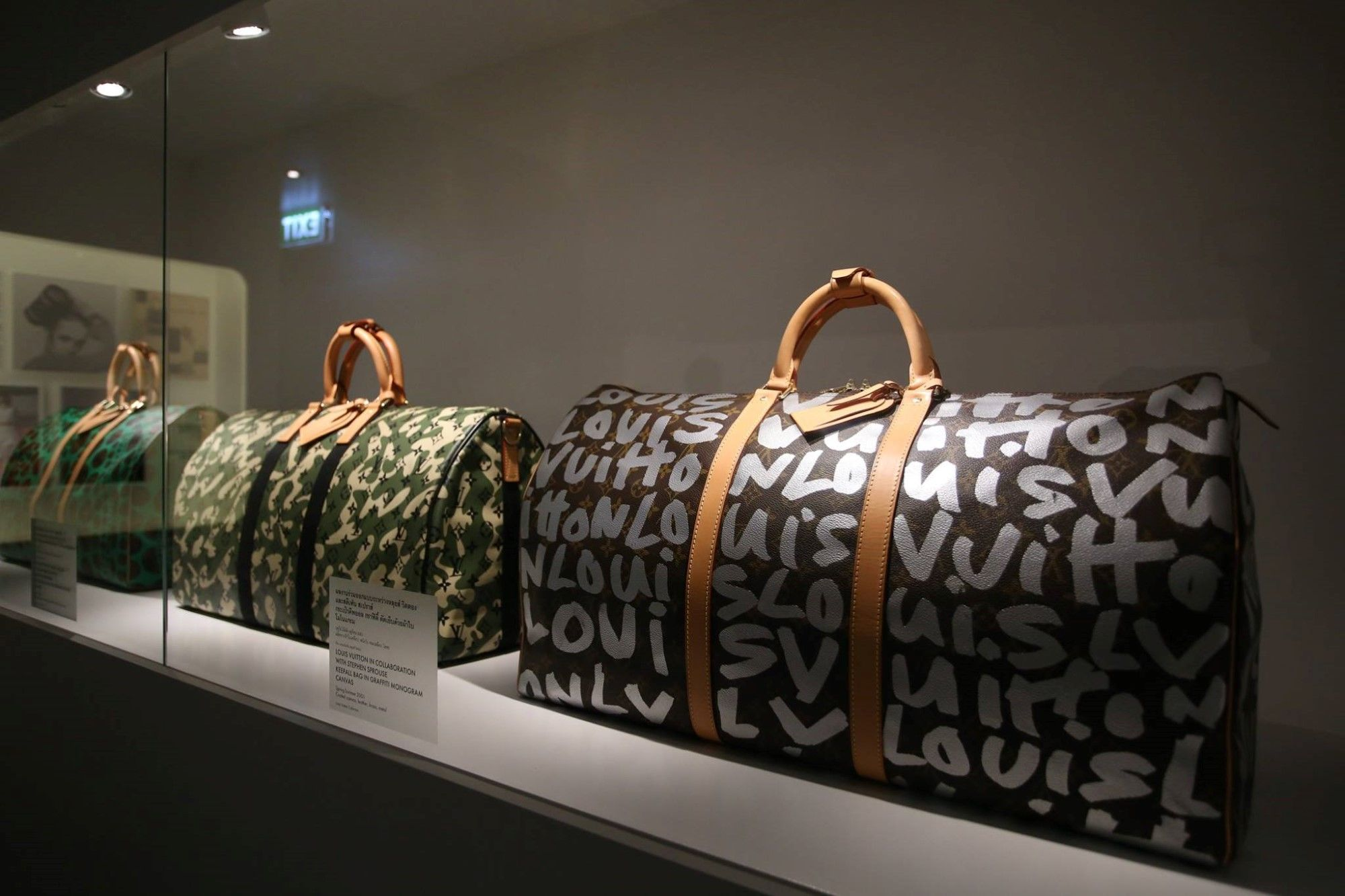 louis-vuitton-time-capsule-siam-paragon